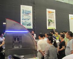 大明机器人炒菜机现场演示受众人关注并咨询